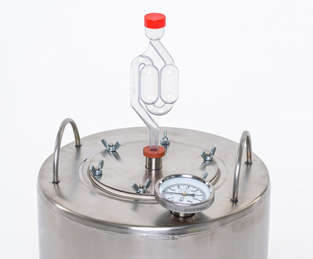 Устройство с гидрозатвором для аппарата «Крестьянка 2.0»