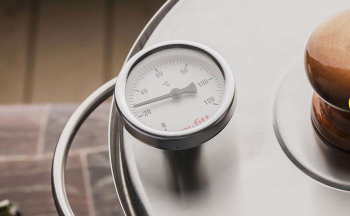 Термометр на коптильне Золингер для контроля за процессом приготовления