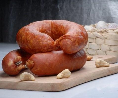 колбаса в говяжьей череве