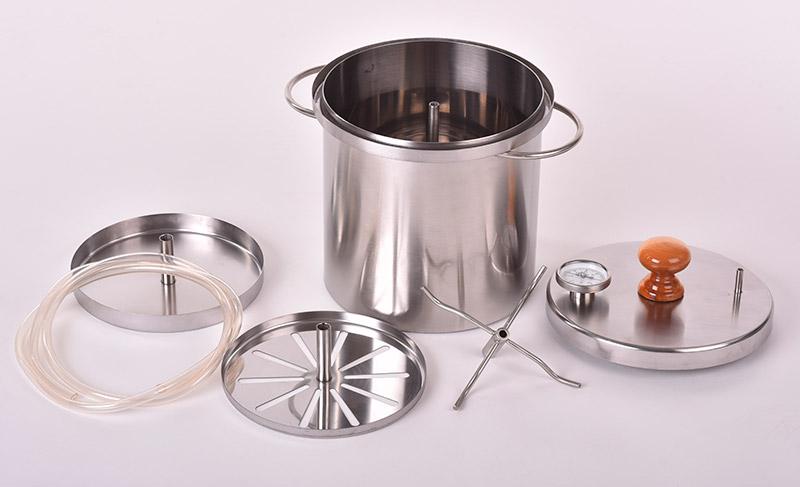 Комплектация коптильни Zolinger 10 литров
